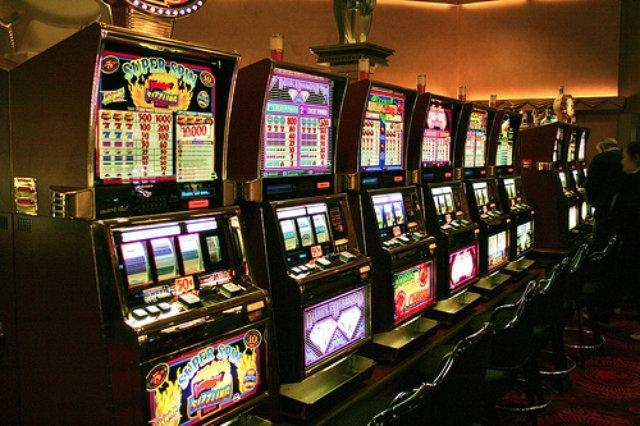 Вулкан Неон казино мобильная версия