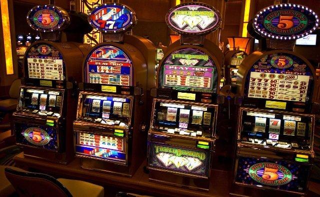 Официальные онлайн-казино  Вулкан Неон