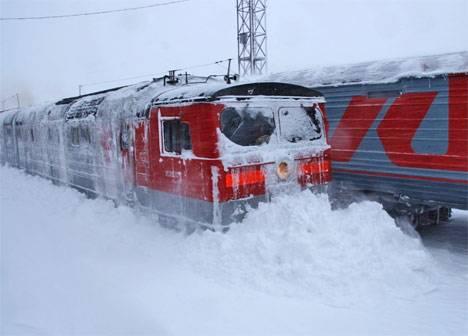 На Сахалине продолжают очищать ДВЖД от снега от Корсакова до поселка Ноглики