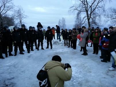 Сторонники Алексея Навального сорвали праздник велосипедистов в центре Петрозаводска