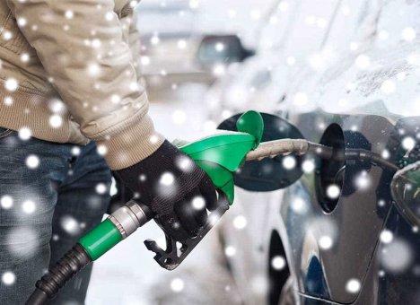 Бензин и солярка в России с 1 января стали дороже