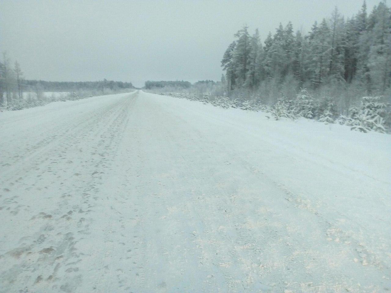 Ледяной накат на дорогах Карелии