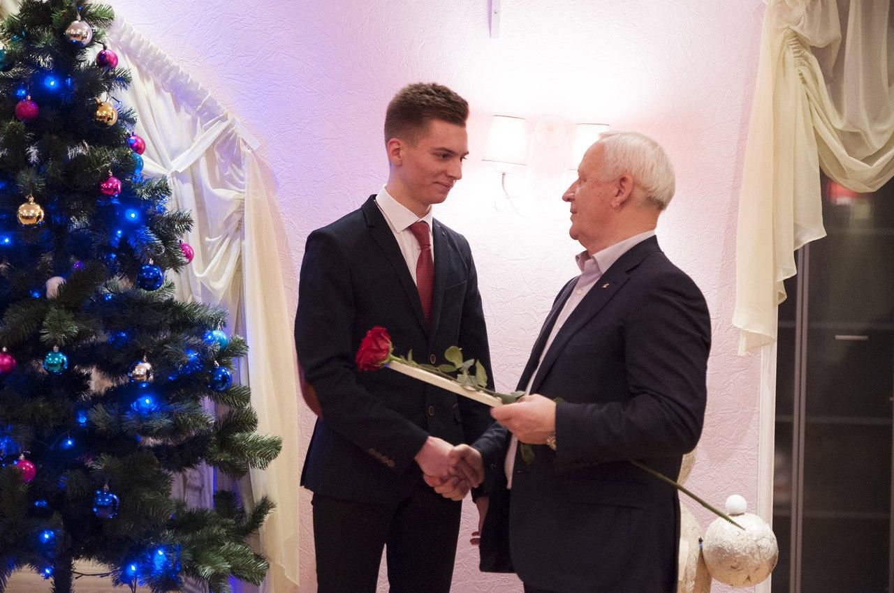 В Петрозаводске талантливым школьникам вручили стипендии