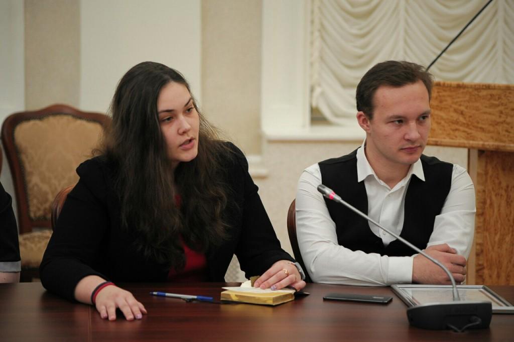 Артур Парфенчиков пообещал спеть под гитару на следующем молодежном форуме
