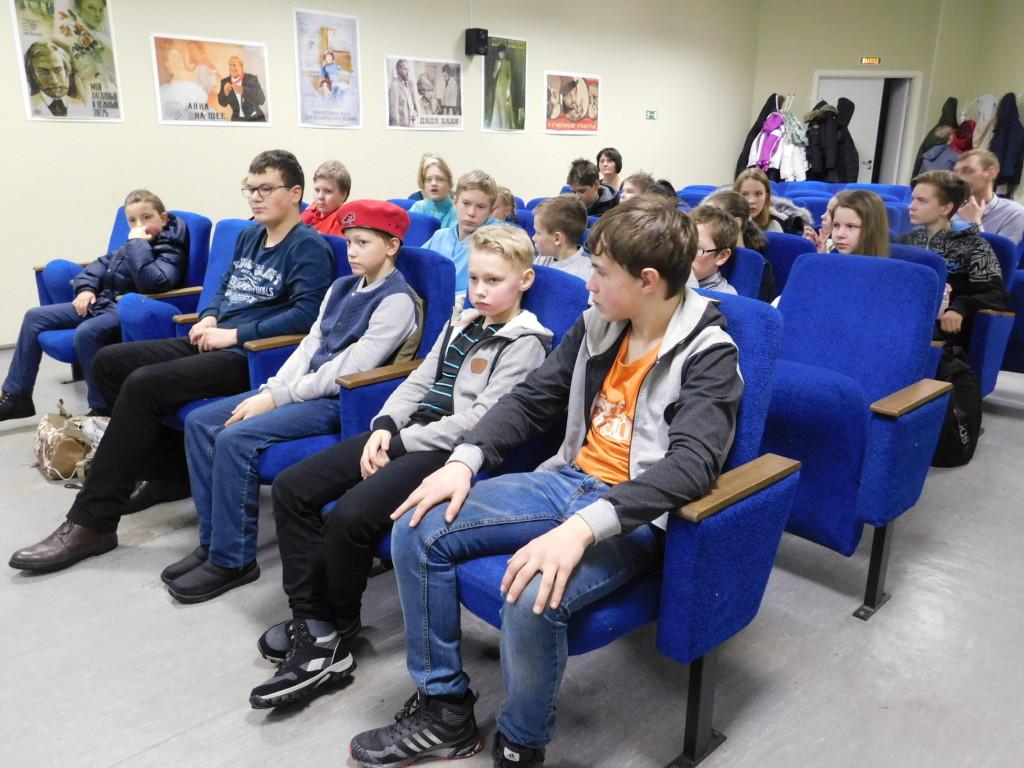 Александр Анишин рассказал школьникам о роли Петрозаводска в снятии блокады Ленинграда