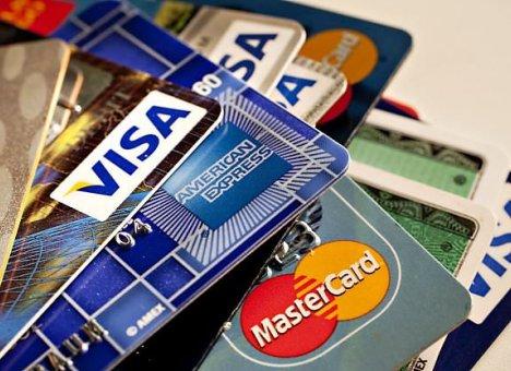 Четверть кредитных карт россиян остается
