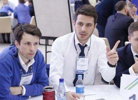 Два руководителя из Владивостока признаны лучшими лидерами России