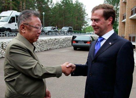 Во Владивостоке чествуют Ким Чен Ира