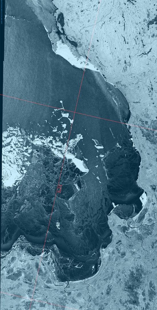 ГИМС: выходить на лед Ладожского озера опасно