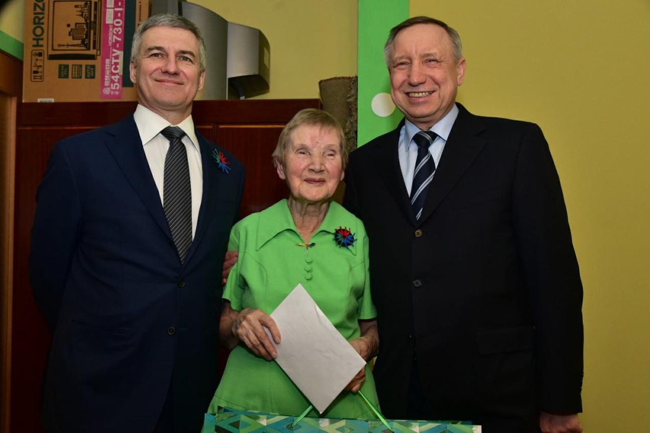 90-летняя жительница Петрозаводска пожелала президенту России «так держать»