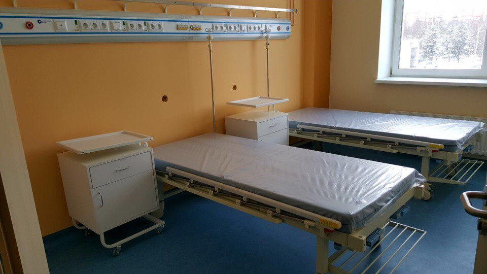 В перинатальном центре в Петрозаводске завершают отделку и устанавливают мебель