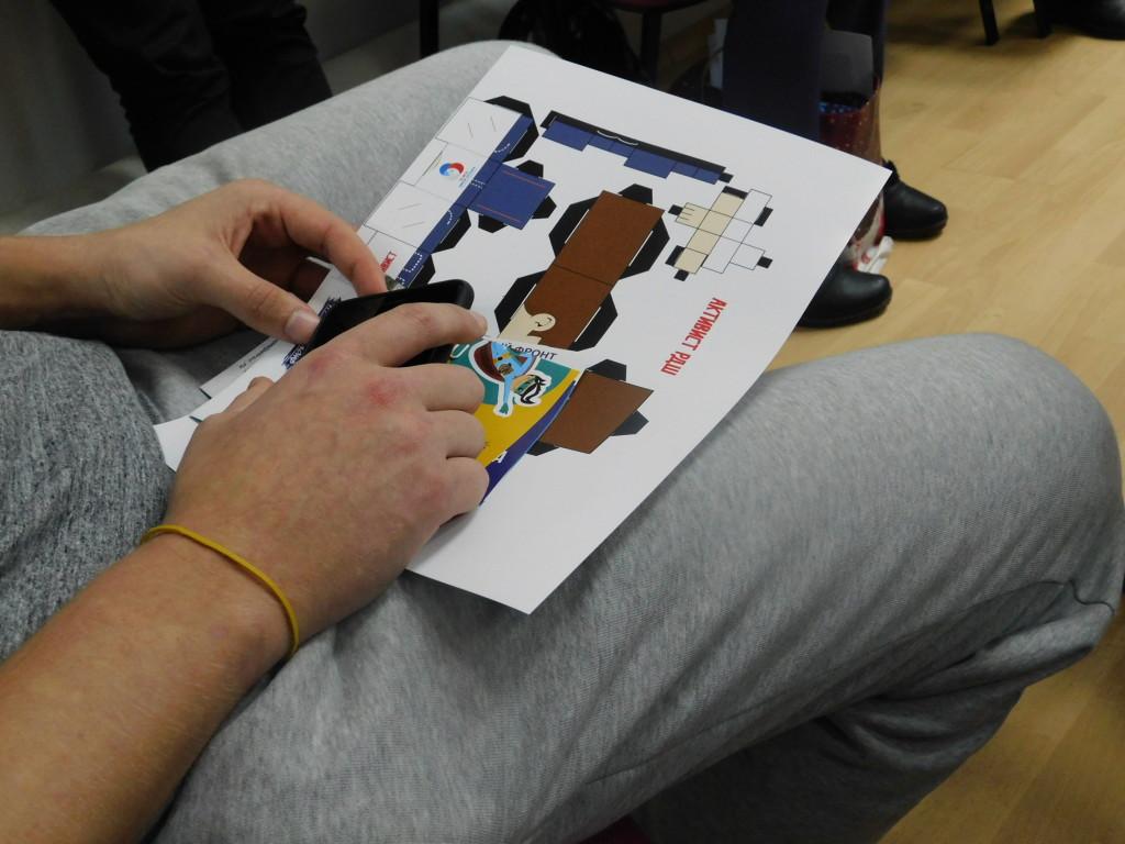 Тренинги по профориентации и самообороне провели для школьников Древлянки