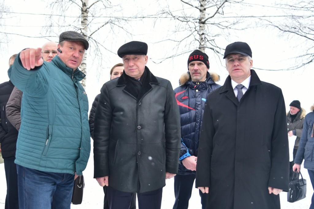 Александр Беглов осмотрел уличные тренажеры на набережной Петрозаводска