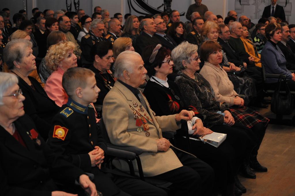 Первые лица Карелии поздравили ветеранов с Днем защитника Отечества
