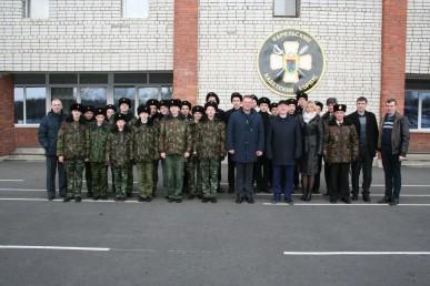 Кадеты развернули огромное Знамя Победы Петрозаводске