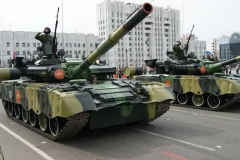 Репетиции военного парада в Хабаровске обернулись конфликтом между дорожниками и военными