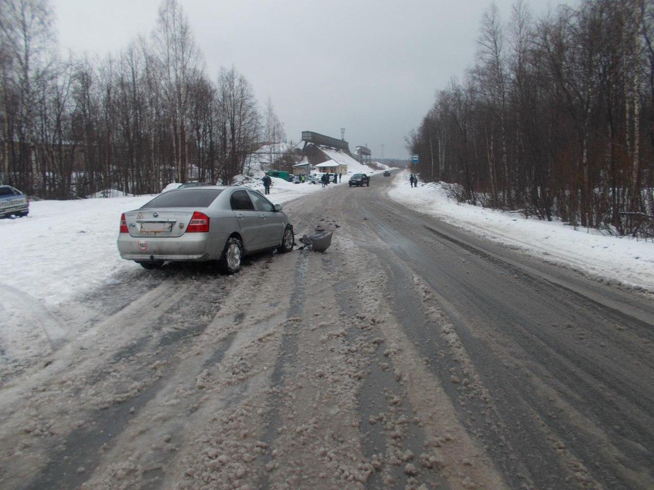 Водителя китайской иномарки госпитализировали после ДТП на трассе в Карелии