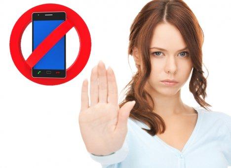 Россиянам будут запрещать звонить по телефону или водить машину