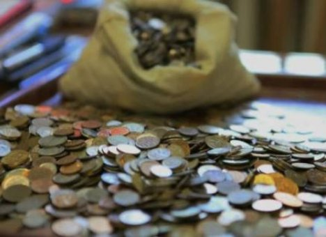 У приморцев в карманах и кошельках насчитали сотни миллионов рублей мелочи