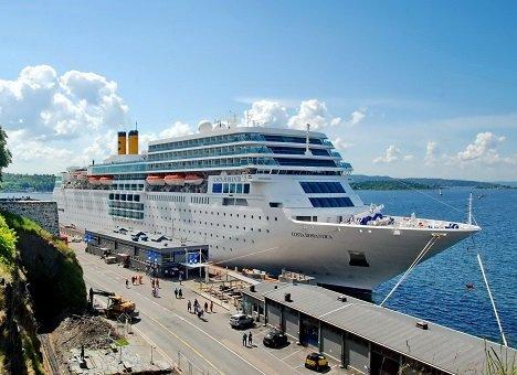 Во Владивосток прибывает океанский лайнер CostaNeoRomantica