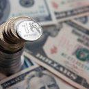 На стороне рубля играет нефть и слухи о смягчении санкции