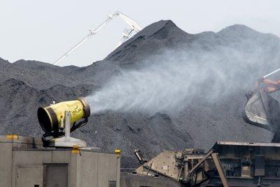 Угольные хранилища в Находке накроют голландской защитной плёнкой
