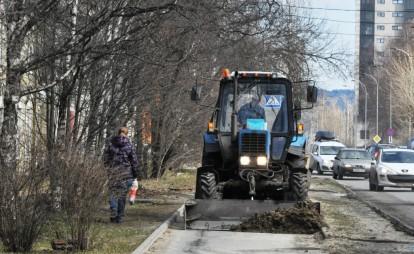 Уборка песка продолжается на улицах Петрозаводска