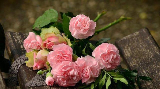 Полезный сервис цветочной доставки для поздравления дорогих людей