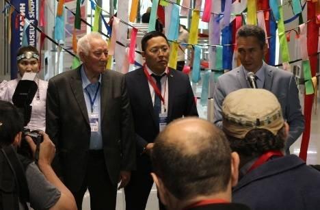 В Якутске открыли Международную конференцию