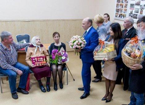 Жительница Владивостока отметила 100-летний юбилей