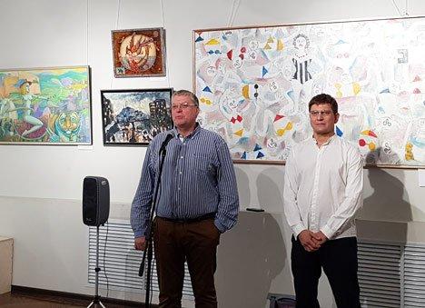 Приморские художники представили коллективный портрет Владивостока