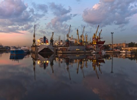 Во Владивостоке в бухте Золотой Рог пройдет презентация гражданских судов