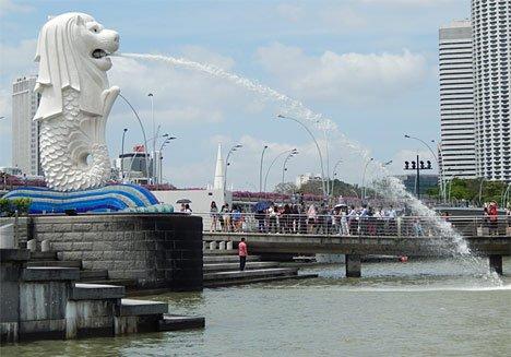 Глава Владивостока вылетел в Сингапур за опытом