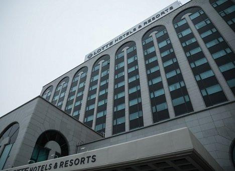 Во Владивостоке отель торжественно сменил вывеску и владельца
