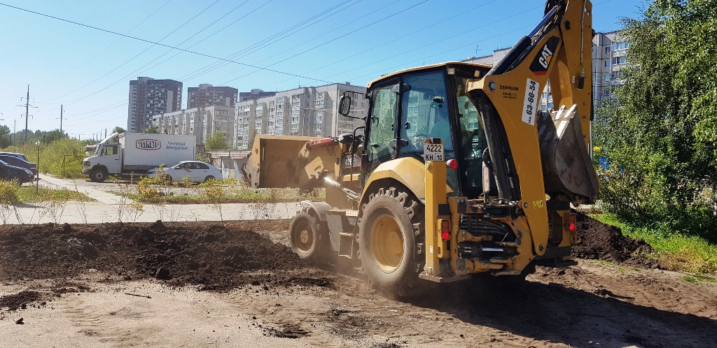 Новый газон засеяли в Петрозаводске на месте стихийного рынка