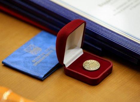 Почти 37 миллионов рублей в первом полугодии направлено на поддержку пенсионеров, имеющих региональный статус ветерана труда