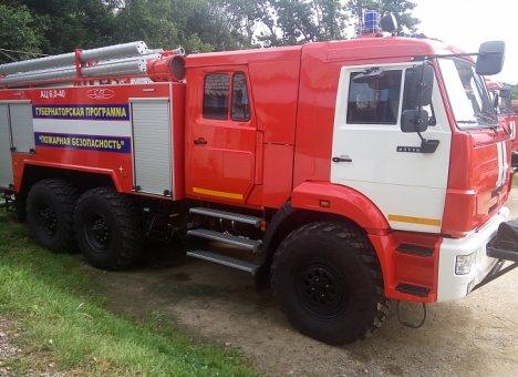 10 пожарных машин отправлено на север Приморья