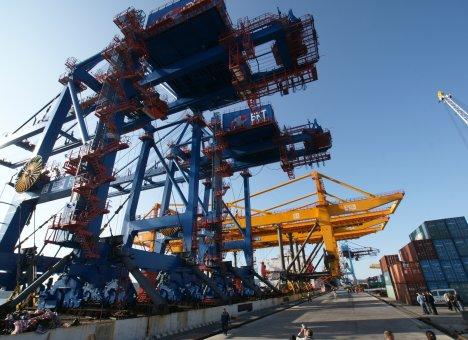 Санкции жестко ударили по порту Владивосток