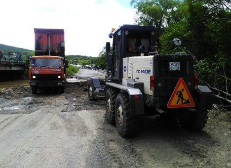 Начались восстановительные работы на участке трассы Артем - Находка