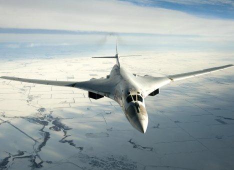 ВКС России срочно перебросили на Дальний Восток ракетоносцы Ту-160