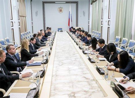Президент России проведет полноформатные переговоры с Председателем КНР Си Цзиньпином в рамках ВЭФ-2018