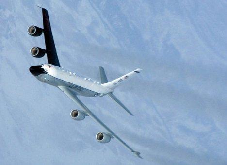 Неопознанный самолет вновь внаглую летал у берегов Приморья