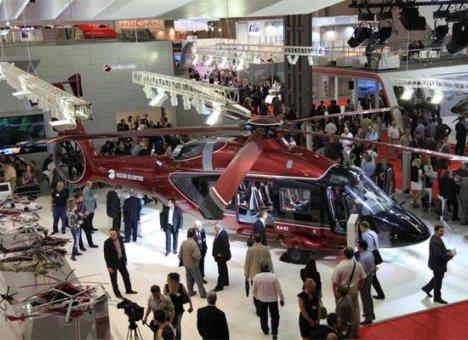 Жители Владивостока запечатлели полёт новейшего российского вертолёта Ка-62