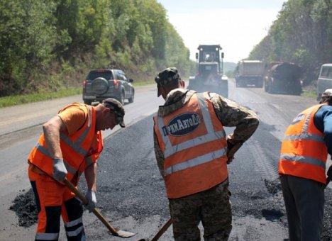 В Приморье отремонтируют муниципальные дороги в Арсеньеве, Октябрьском и Спасском районах