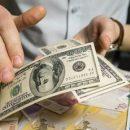 Россия в одном шаге от запрета хождения в стране доллара и евро