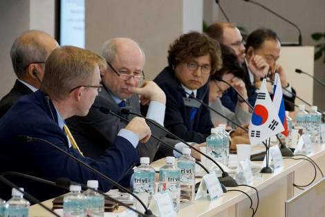 Форум ректоров России и Республики Корея предложил внедрить программу двойных дипломов