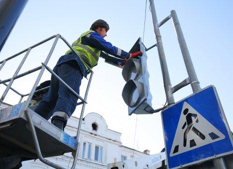 Во Владивостоке в оживленном месте заработал светофор