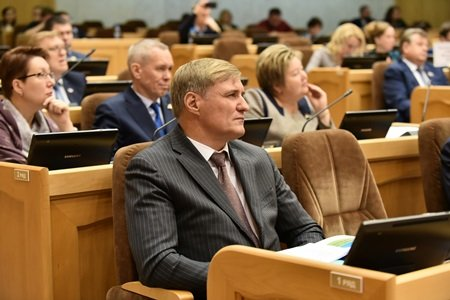 Хабаровские депутаты решили ограничить полномочия новоизбранного губернатора