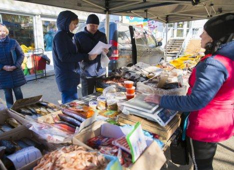 Во Владивостоке проводят рейды по уличной торговле