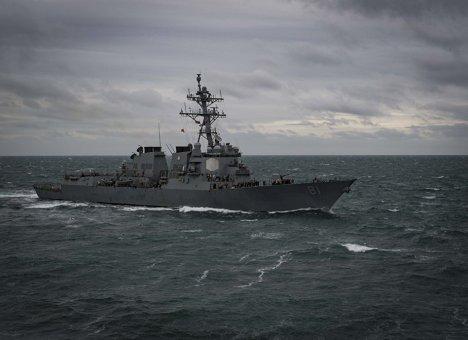 Эсминец ВМС США приблизился к Владивостоку на критическое расстояние